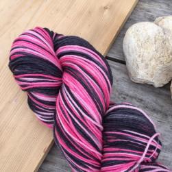 Ahmran Gra Sock: Poodle Skirt