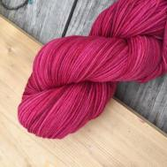 Ahmran Gra Sock: Wintered Berry